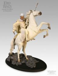 LOTR : Gandalf with Shadowfax Statu